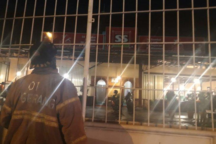 Pengunjung restoran panik setelah blower meledak
