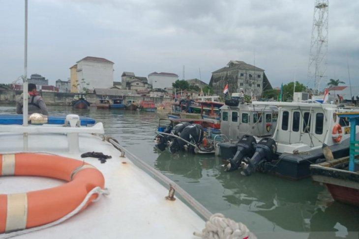 Satpolair Bangka Barat awasi aktivitas kapal nelayan gunakan trawl