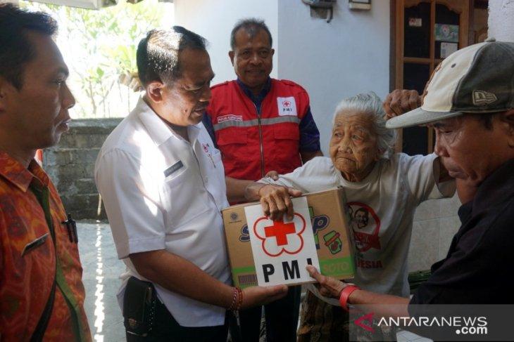 PMI Klungkung bantu sembako lansia dan KK kurang mampu