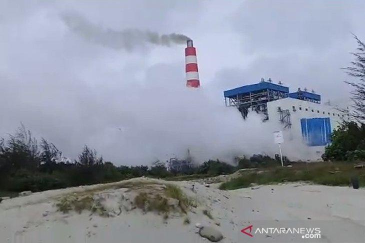 Warga soroti asap hitam dari cerobong PLTU Bengkulu