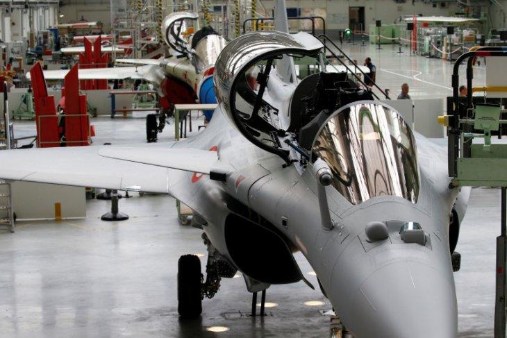 Prancis akan jual 30 jet tempur Rafale  ke Mesir thumbnail