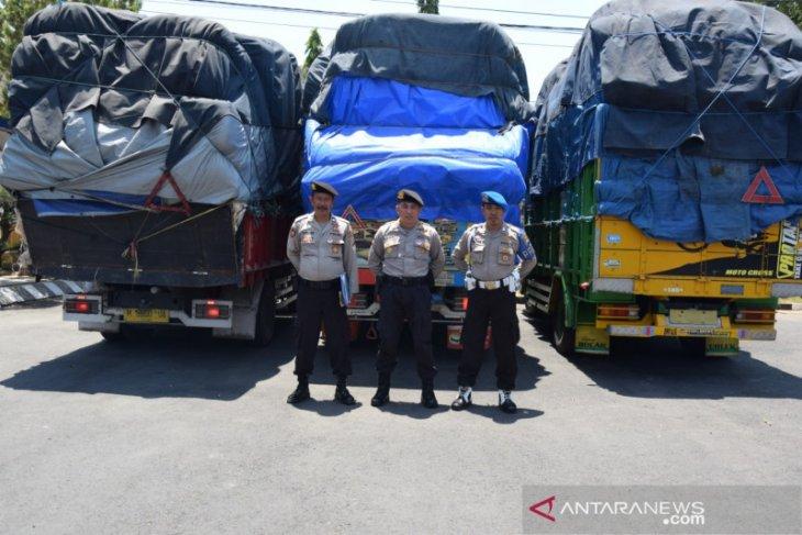 Penyelundupan tiga truk tembakau Jawa ke Pamekasan digagalkan
