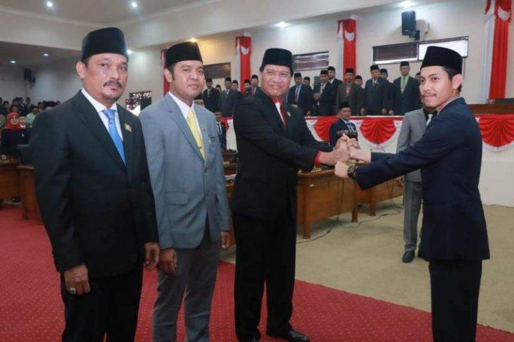Mulyani Siregar secara definitif pimpin DPRD Tanjab Barat