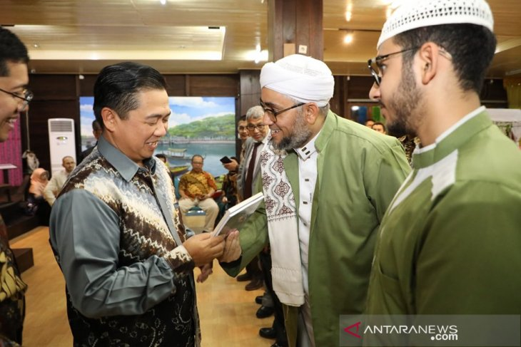Ibnu Sina terima narasumber Seminar Second Annual Post Graduate Conference on Moslem Society