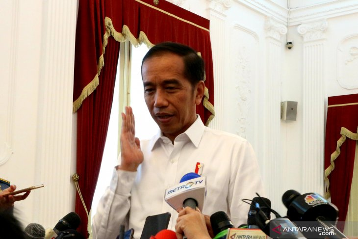 President pays visit to hospitalized Security Minister Wiranto