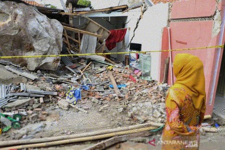Bupati Purwakarta inginkan tutup perusahaan tambang penyebab