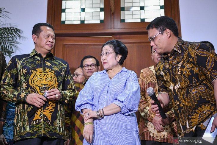 Silaturahmi pimpinan MPR dengan Megawati