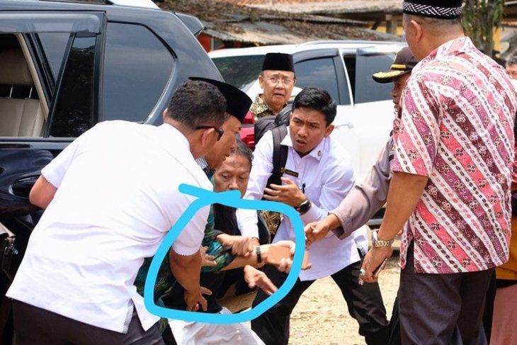 Pelaku penusukan Wiranto menggunakan gunting