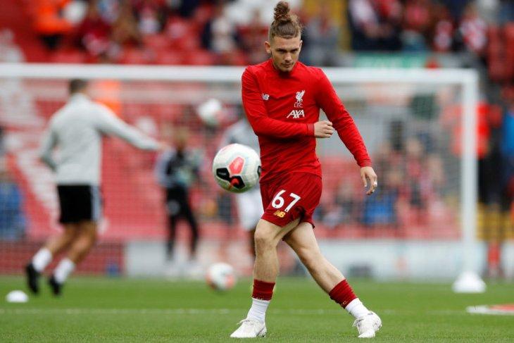 Pemain Liverpool  Elliott dilarang 14 hari gara-gara ejek Harry Kane