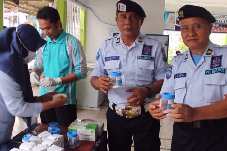 Sebanyak 64 Pegawai Rutan Paser Jalani Tes Urine