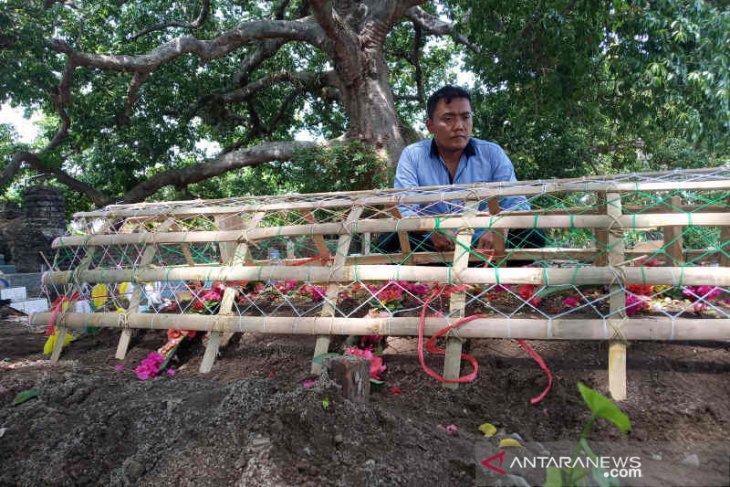 Pria Cirebon korban jembatan runtuh di Taiwan dimakamkan