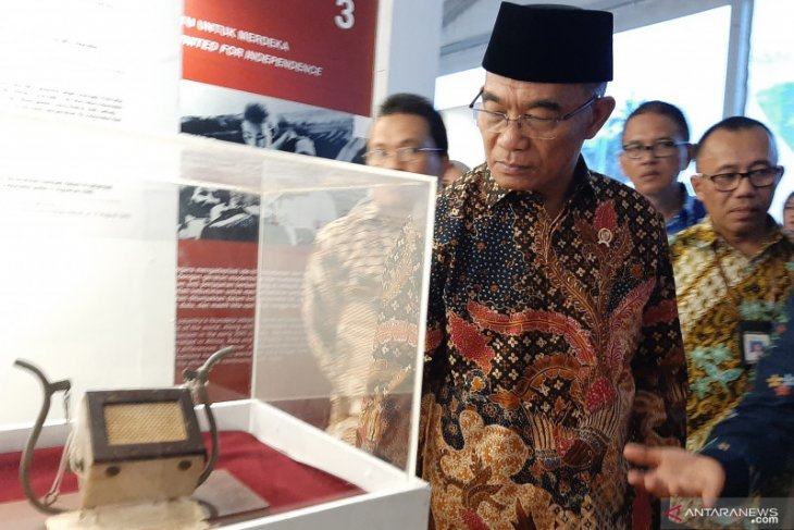 Minister wants museums developed as symbols of civilization