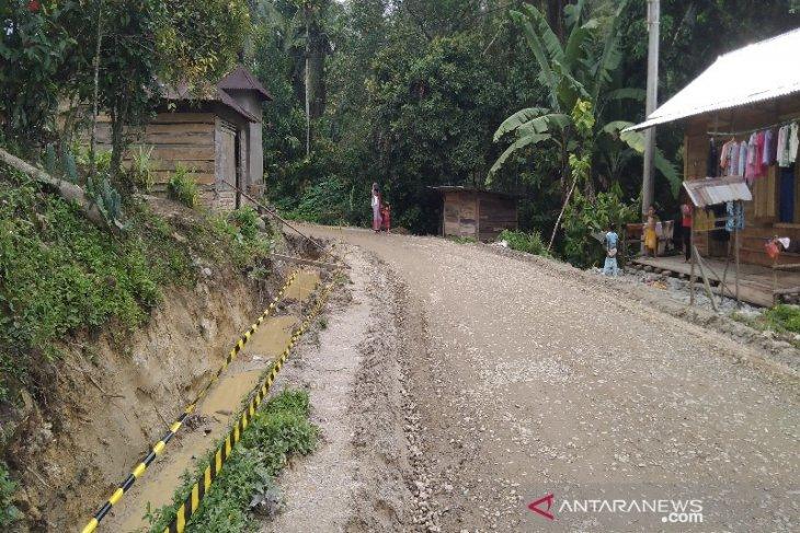 Warga minta pemerintah awasi proses pengerjaan peningkatan jalan Panyabungan Timur