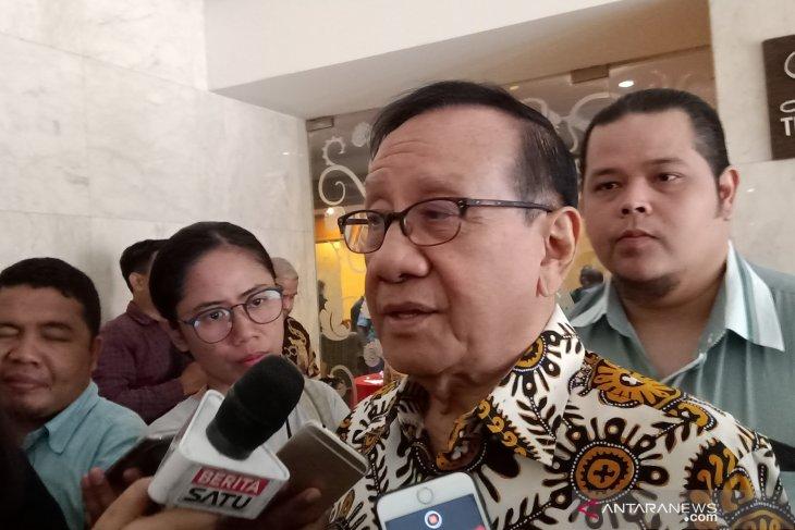 Soal peluang Airlangga masuk kabinet,  Akbar Tandjung enggan berspekulasi