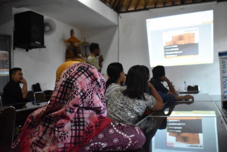 """Alfamart beri pelatihan """"bisnis online"""" pada pedagang Karangasem"""