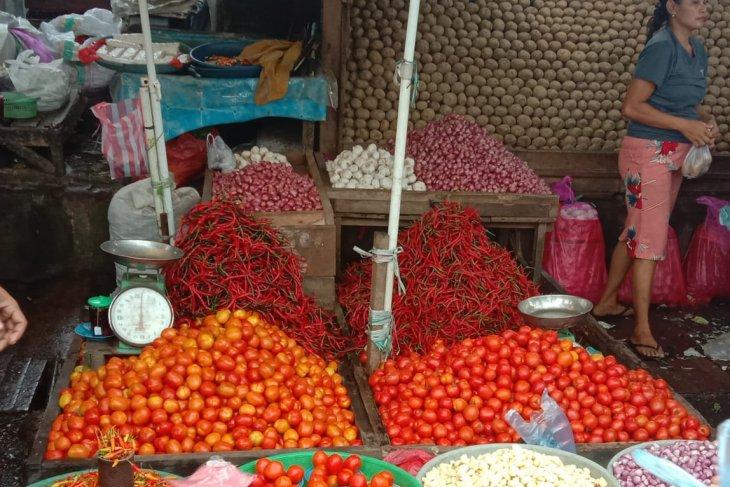 Harga bawang dan cabai di pasar Ambon bertahan