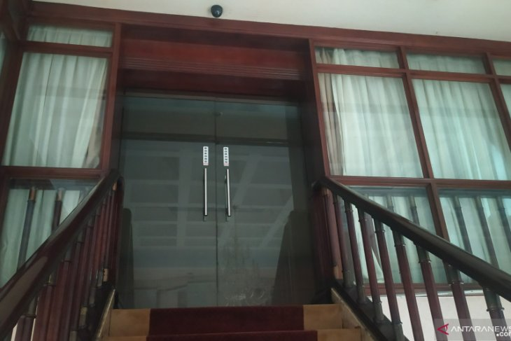 Wali Kota Medan kena OTT, ruangan kantor dijaga ketat