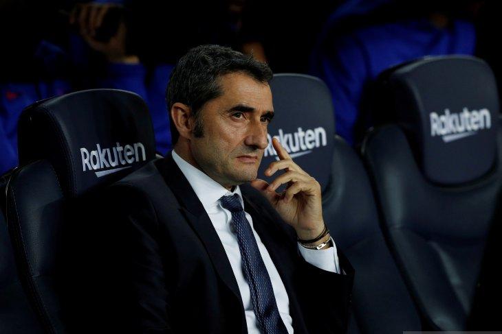 Pelatih Barcelona Ernesto Valverde minta El Clasico tidak dipindah atau ditunda