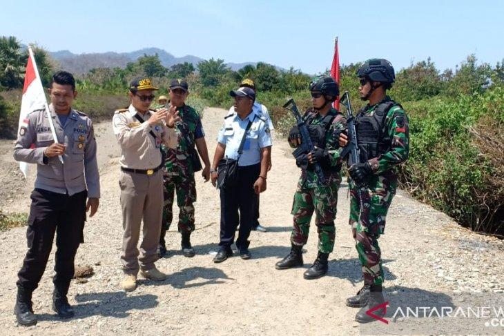 Satgas Pamtas Yonif Raider 142/KJ patroli jalur 'tikus' di perbatasan RI-Timor Leste