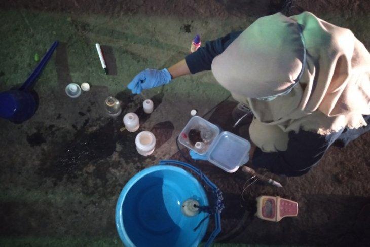 Sungai Cilamaya Karawang tercemar berat