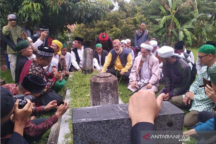 Ulama Turki ziarahi makam ulama Aceh Tgk Syech Di Bitai