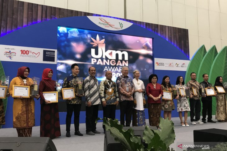 Trade ministry bestows awards on 10 SMEs in food sector