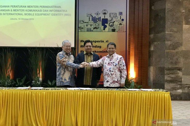 Perangi ponsel ilegal, Tiga menteri teken peraturan Soal IMEI