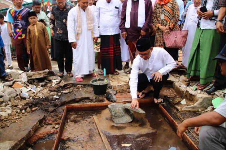 Pemkot Pontianak salurkan bantuan ke 60 masjid selama 2019