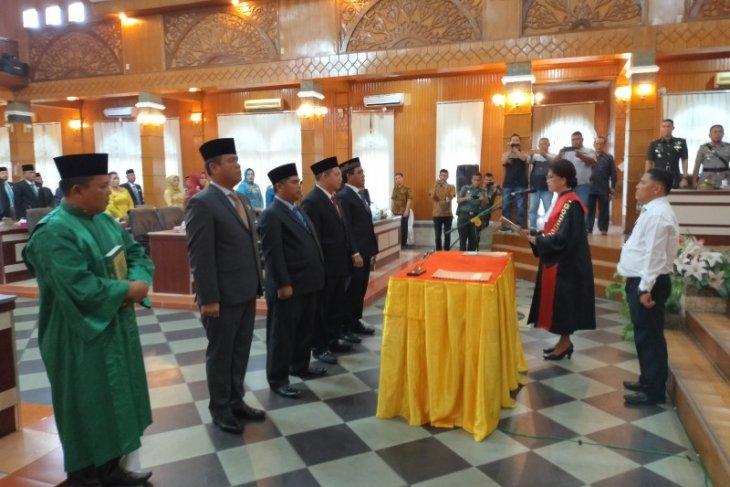 Pimpinan DPRD Asahan 2019-2024 dilantik