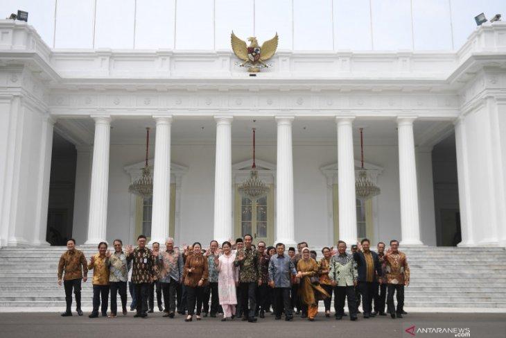 Sabar menanti jejeran menteri baru Presiden Jokowi