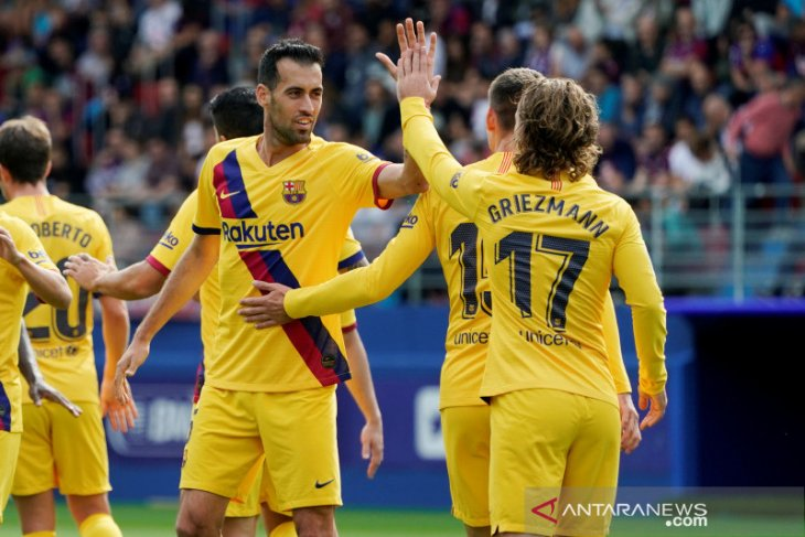 Barcelona ke puncak usai pecundangi Eibar 3-0