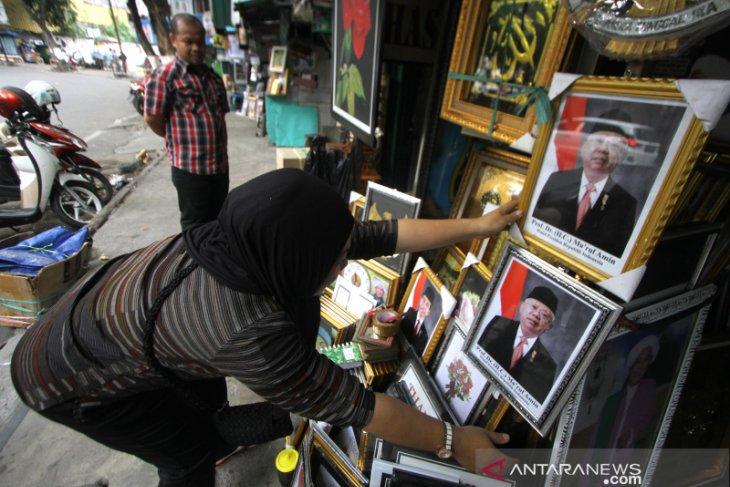 Penjualan Poster Jokowi-Maruf Amin