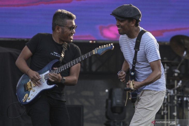 Musician Glenn Fredly echoes message of peace for Papua