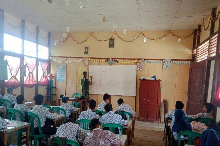 Satgas TMMD Kodim 0314/Inhil Ajarkan Wawasan Kebangsaan Siswa SMP