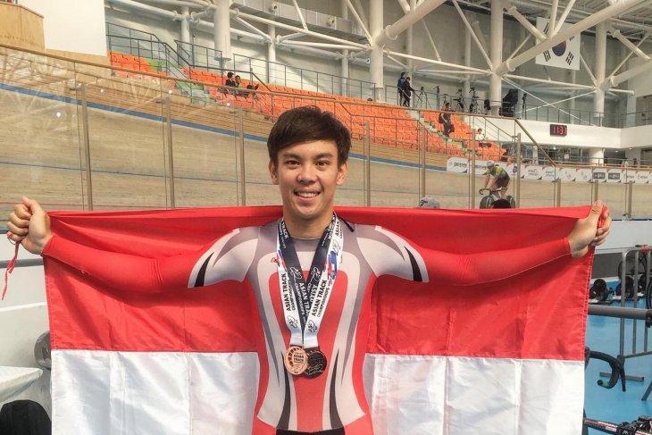 Bernard van Aert raih dua medali dari Asian Track Championship