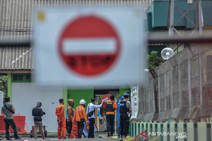 Penggeledahan Kantor PLN Terduga Teroris
