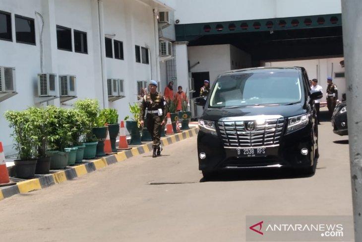 Wiranto dan istri tinggalkan RSPAD Gatot Soebroto