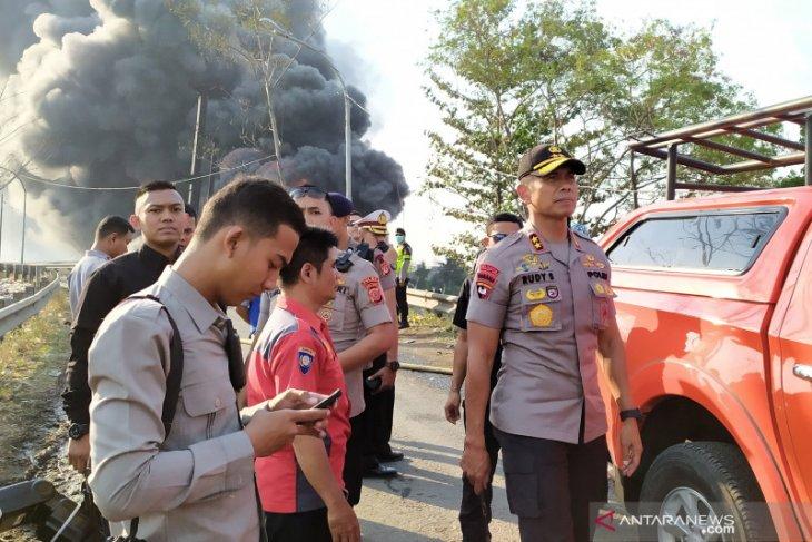 Kebakaran pipa BBM di Cimahi, seorang pekerja proyek kereta cepat meninggal