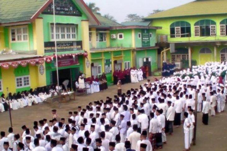 Pondok Pesantren As'ad gelar upacara Hari Santri Nasional