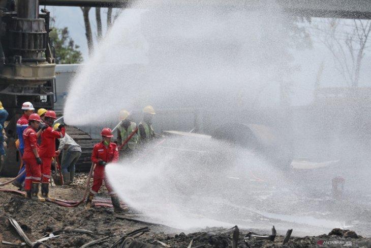 Sterilisasi, Pertamina sedot minyak sisa kebakaran pipa di Cimahi