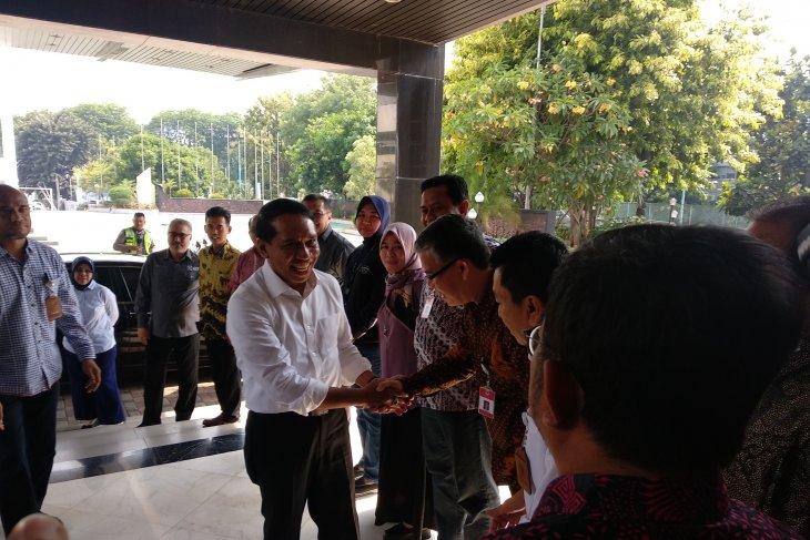 Usai dilantik, Zainudin Amali langsung pantau kantor Kemenpora