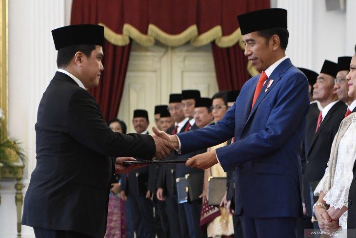 Erick Thohir dilantik menteri, tiga sahamnya malah merosot