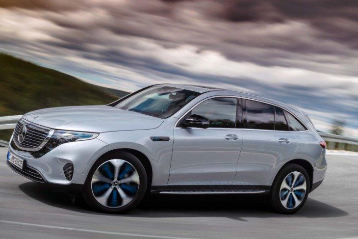 Mercedes tarik sejumlah mobil listrik EQC karena baut rusak