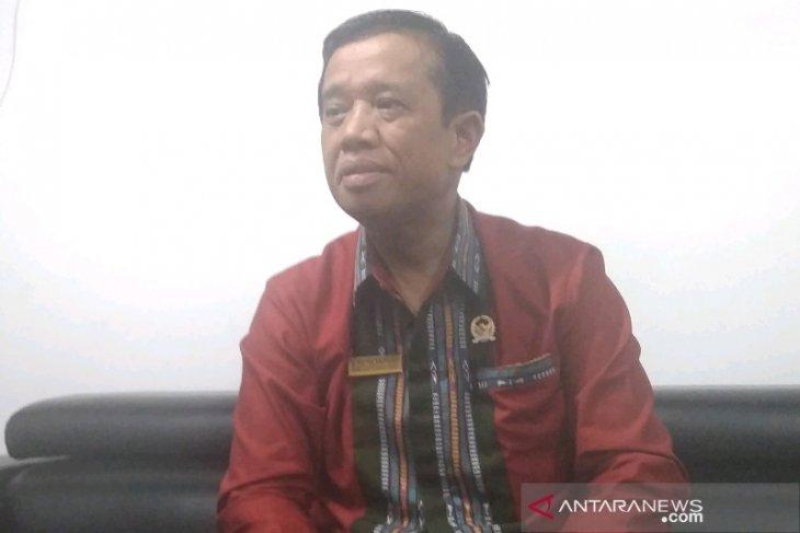 Tetapkan alat kelengkapan dewan, Ketua DPRD Taput : pembahasan APBD hingga RPJMD jadi prioritas