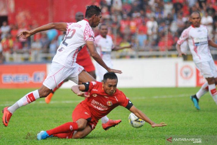 Klasemen dan hasil Liga 1: Persipura-PSM naik peringkat