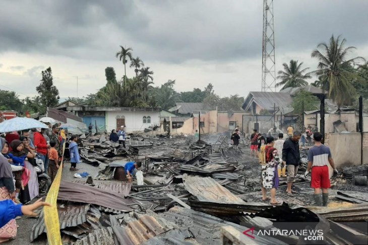 Kebakaran di Paya Bakong, Dinas Sosial salurkan bantuan masa panik