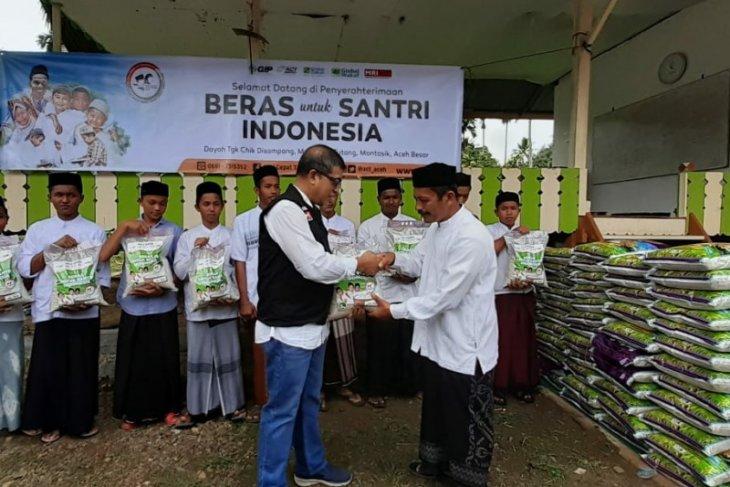 ACT Aceh salurkan dua ton beras ke  pesantren