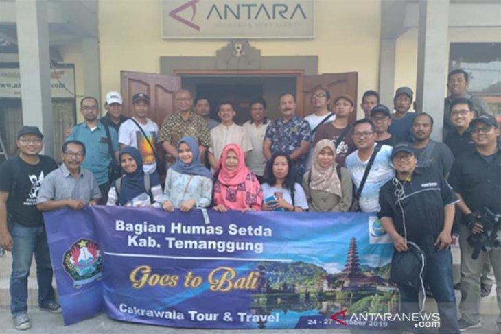 Belasan wartawan-humas Pemkab Temanggung kunjungi ANTARA Bali