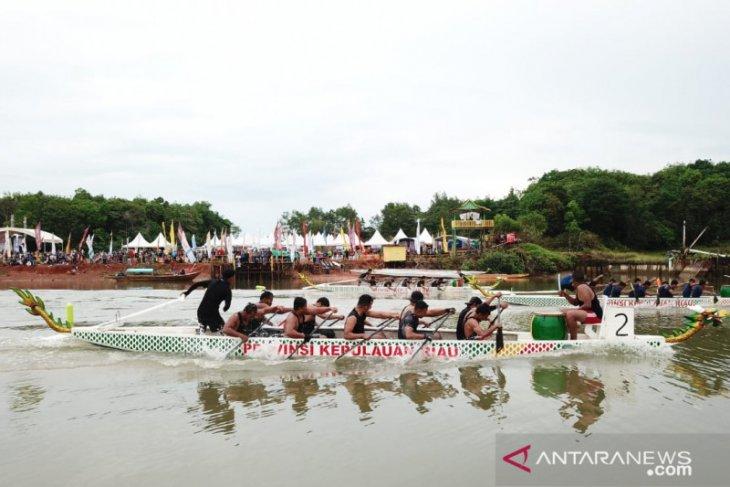 Malaysia participates in Tanjungpinang Dragon Boat Race