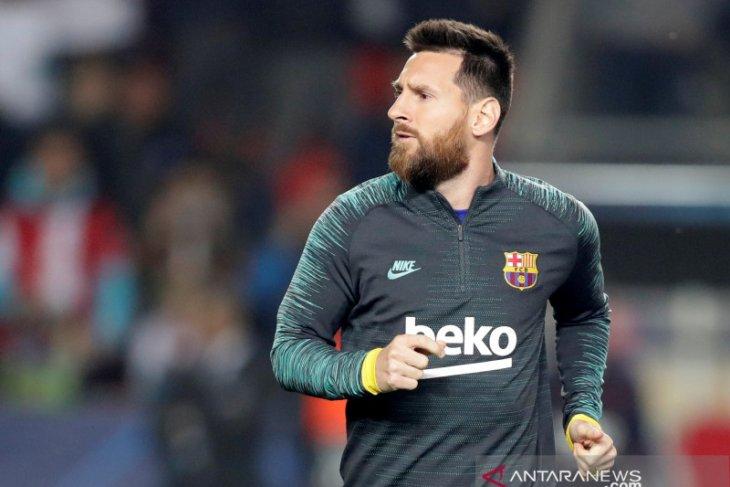 Dari pada ditarik keluar lapangan, Messi lebih pilih jadi cadangan